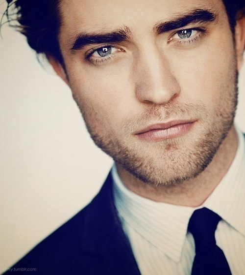 {Cover Picture} Robert Pattinson - Edward Cullen in Twilight. Just some  guys that I think are pretty hot