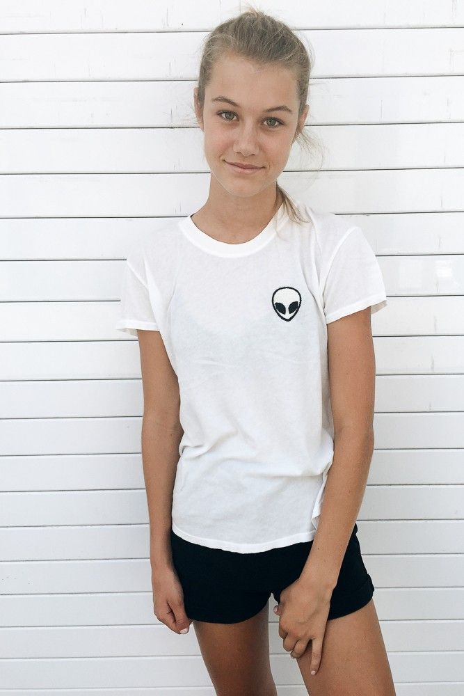 Brandy ♥ Melville | Margie Alien Patch Top - Graphics