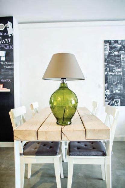 Stolní lampa 4concepts Genova. Klasické svítidlo z ručně opracovaného skla s textilním stínidlem. Navštivte eshop www.osvetleni-svitidla.com