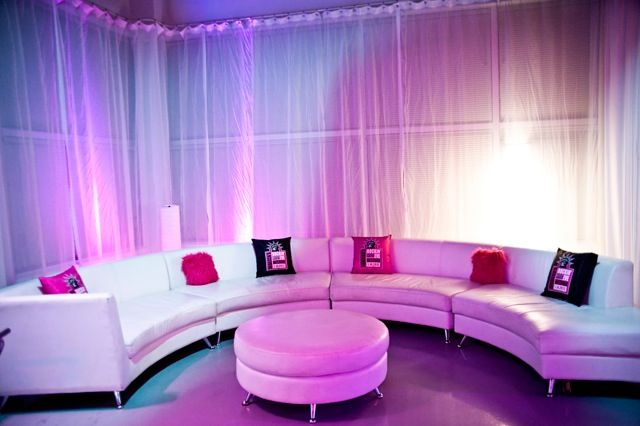 Bat Mitzvah Teen Party Lounge, Pink & White {Planner: Perfect Party Orlando, Jennifer Werneth Photography} - mazelmoments.com