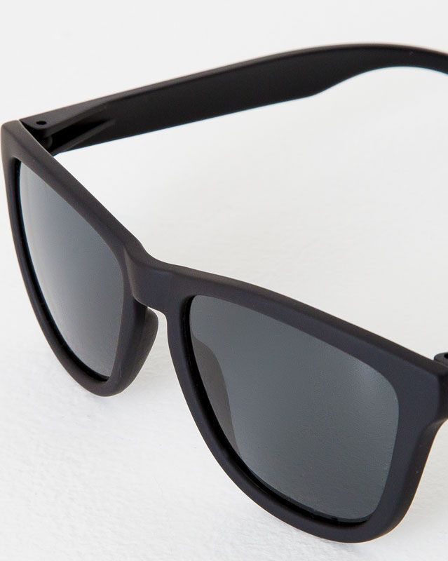 Hawkers carbon black dark one sunglasses