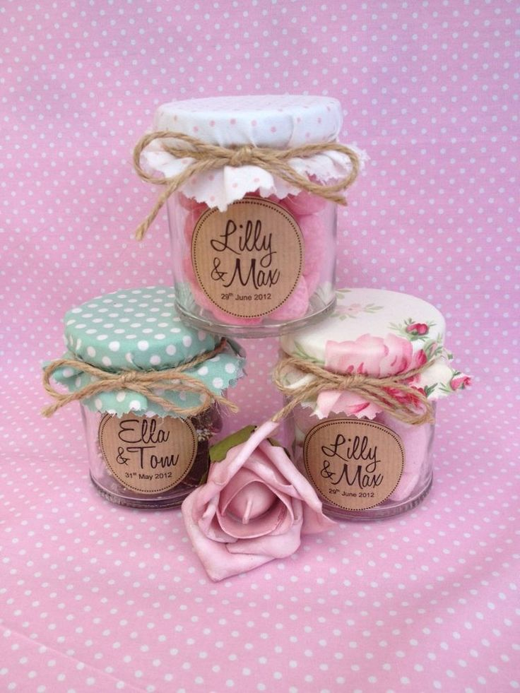 sweets in a jar finished off with fabric jar covers if you dont wedding favours vintagewedding souvenirwedding favour