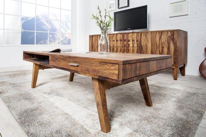 CLASSICO är ett elegant soffbord i sheesham-trä, ett perfekt vardagsrumsbord i rustik semesterkänsla, sneda ben i vintagestil och extra förvaringslådor