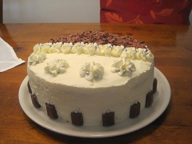 Yin-Yang szülinapi torta, csodás krémes finomság, amivel különlegessé teheted a szülinapokat! - Egyszerű Gyors Receptek