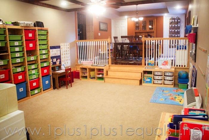 Our homeschool room 2012 2013 homeschool it is and kind of for Homeschool dining room ideas
