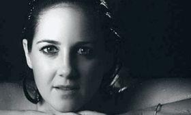 Η πριγκίπισσα Θεοδώρα γυμνή στη μπανιέρα για καλό σκοπό   Σε μια άκρως τολμηρή και καλλιτεχνική φωτογράφηση.  from Ροή http://ift.tt/2sQrb7h Ροή