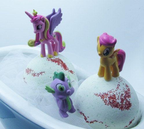1 x 5oz Kids random my little Pony Surprise Bath Bomb in Elf Sweat scent (WARNING CHOKE HAZARD) for children 4+ Elf sweat fragrance is a bubbly,