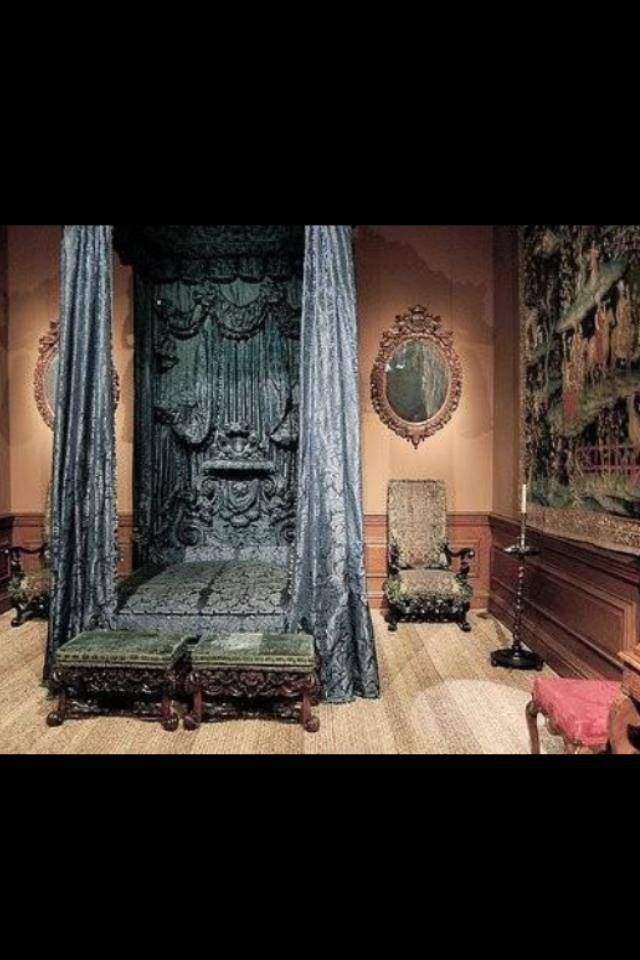 Awesome Gothic Bedroom Design Ideas  Antique Furniture Ideas Decoration For Bedroom Design With Vintage Canopy Bed And Beige Wall Colour With Carpet Motifs ... & 30 best Curtain Beds u0026 Etc. images on Pinterest | 3/4 beds Canopy ...