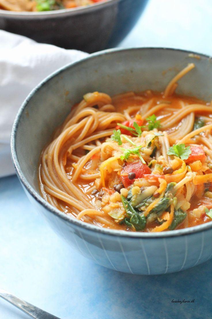 Vegansk one pot pasta med squash og kokosmælk