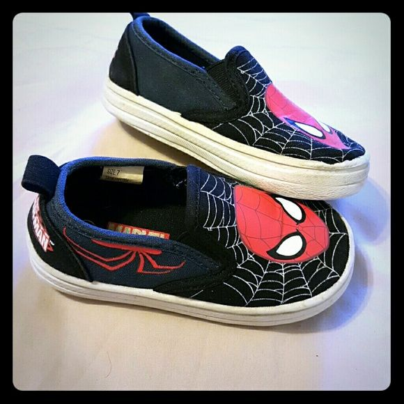 Spiderman Canvas Shoe Great used condition. Spiderman design. Brand is marvel. Size 7 in toddler/kids. Marvel Shoes Flats & Loafers