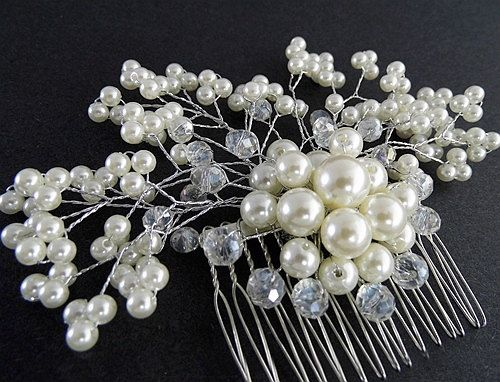 Hey, I found this really awesome Etsy listing at https://www.etsy.com/listing/194419300/bridal-hair-comb-pearl-hair-comb-pearl