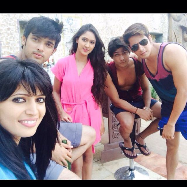 Remember this episode when Nandini first comes to Manik's house with rishab and Fab 5 is having a party there