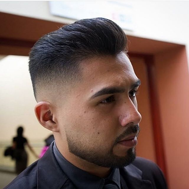 50 Kühle Männer Rasierte Seiten Frisur in 2020 | Rasiert