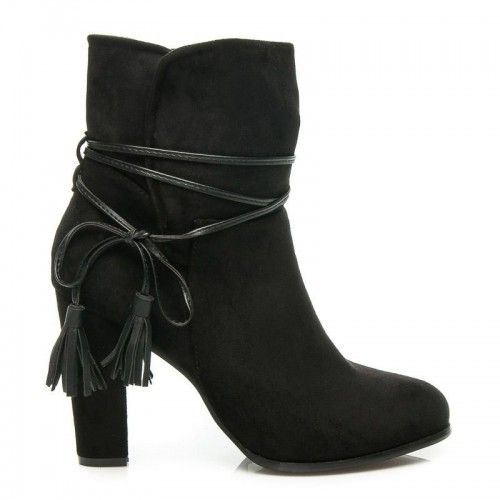 Dámské boty na podpatku Lokave černé – černá Vaše botičky jsou tím nejdůležitějším. Tyto skvělé botičky se sloupkovým podpatkem se zapínají pomocí šněrování a vypadají naprosto úchvatně. Semišové botičky jsou doplněny o vložku z EKO …