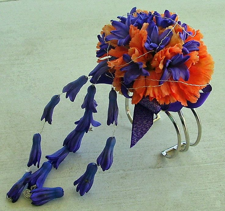 Prom flowers: Our Favorite Flowers for Prom - Hyacinth #PromFlowers #wristcorsage