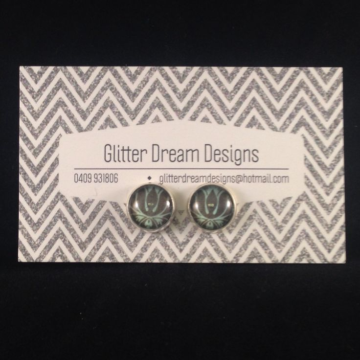 Order Code D22 Green Cabochon Earrings