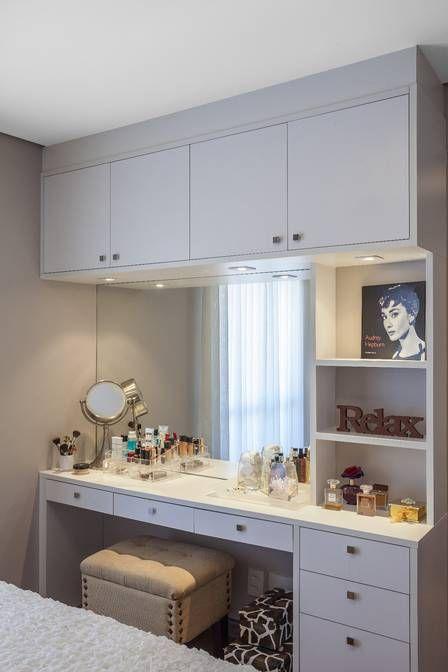 Penteadeira no quarto planejado por Lisandro Piloni