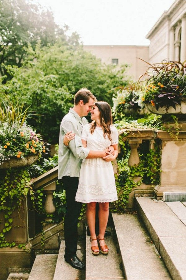 This chic, casual summer dress and wedges are utterly perfect for this fashionable Chicago engagement shoot! Photo by Giving Tree Photography