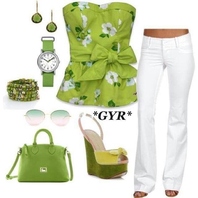 Top straple verde con flores