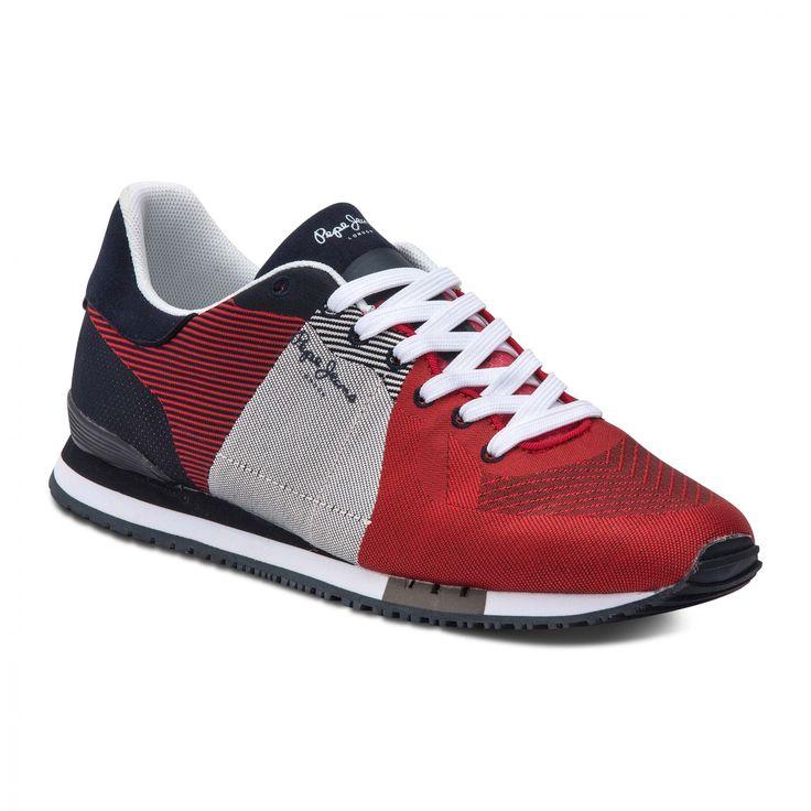Zapatillas deportivas. Cordones, forro y plantillas de malla. Detalle de Pepe Jeans London en la lengüeta. Suelas de goma.