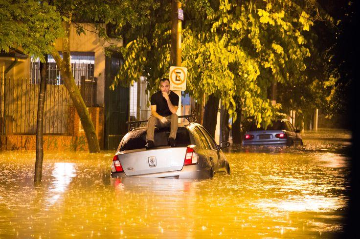 #São Paulo: Chuva provoca alagamentos e trava trânsito na cidade de São Paulo