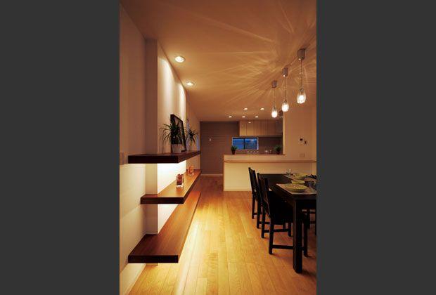 ウッディなエントランスと灯りを楽しむ家|戸建てリノベーション施工事例