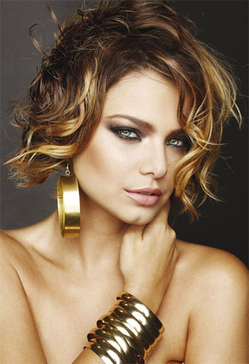 Dark blonde hairstyle for short wavy hair