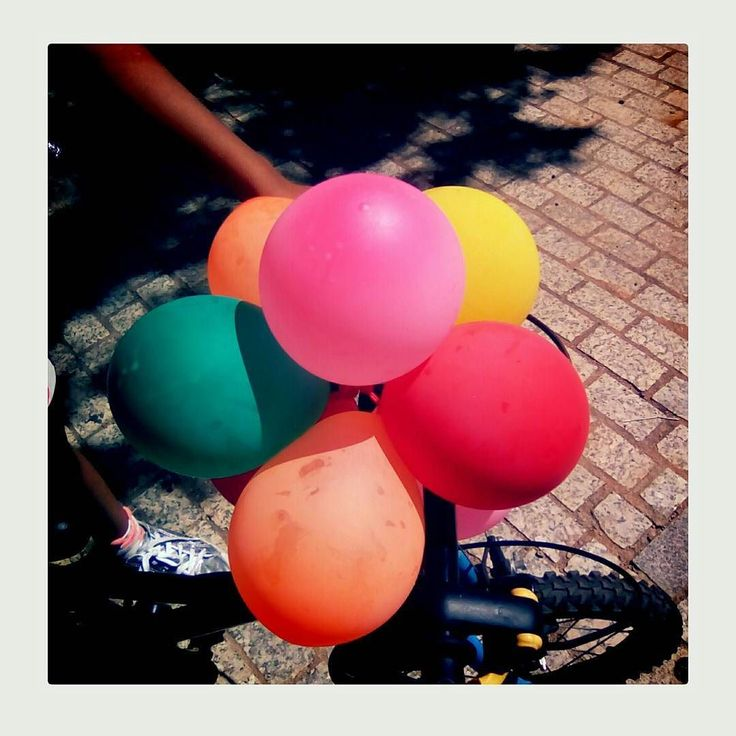 Ballons. Terrassa. July 2017. #ballons #color #fakepolaroid #instax #igerseurope #ok_europe #picoftheday #portrait #portraitoftheday #polaroid #polaroidlove #polaroidpicture #polaroidphoto #portraitoftheday #terrassa