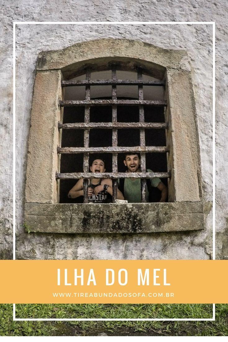 Saiba o que fazer em uma das ilhas mais românticas e roots do Brasil! A Ilha do Mel, no Paraná, é destino perfeito para casais e mochileiros. #viagem #parana  #brasil