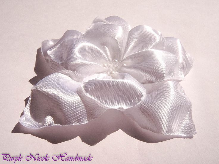 Natasha - Handmade Bridal Flower by Purple Nicole (Nicole Cea Mov). Materials: Satin, pearls.