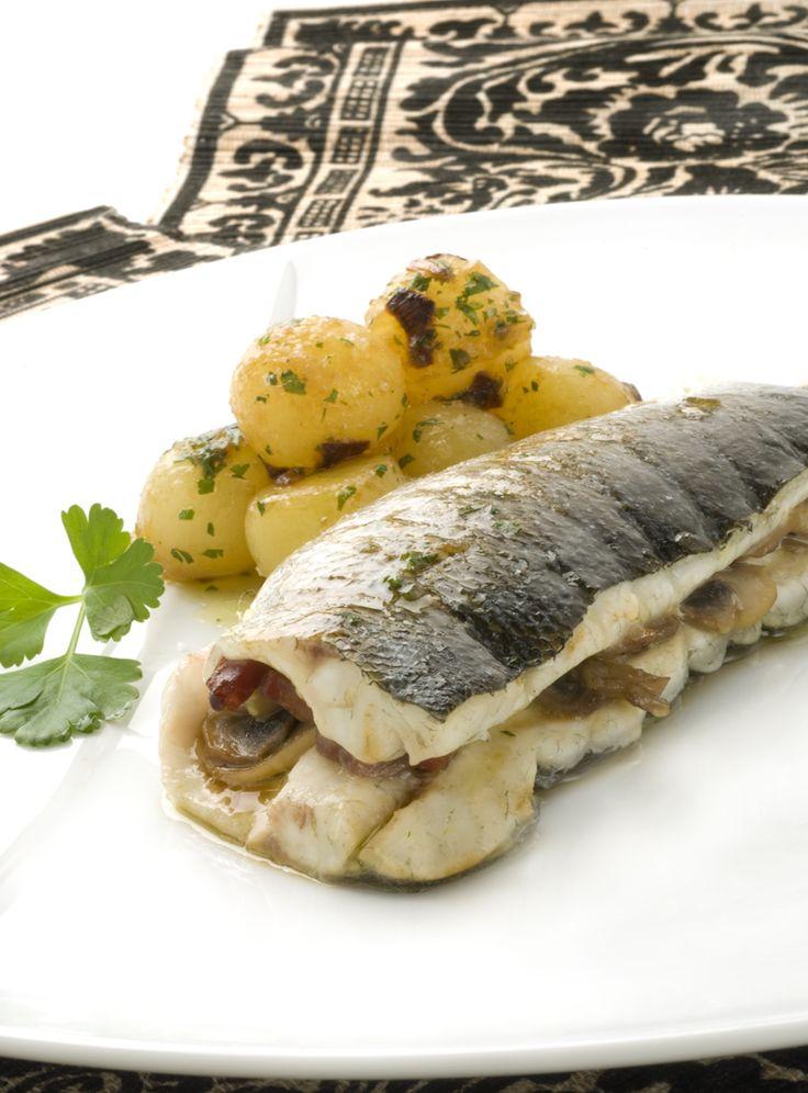 524 best pescado poisson images on pinterest seafood spanish food receta de lubina rellena al cava spanish recipeschristmas recipesfishfood forumfinder Choice Image