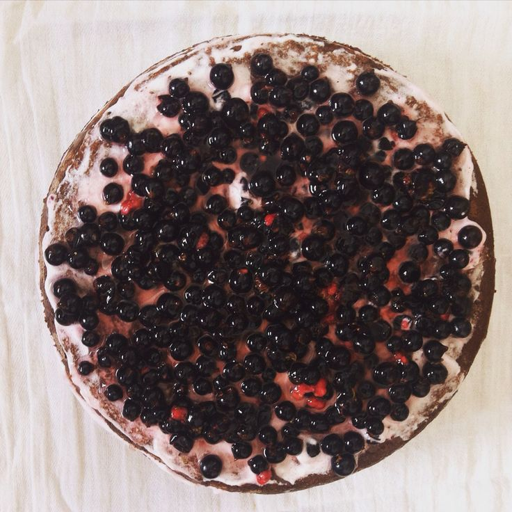 blackcurrant chocolate cake © 2015 ferenczancsa