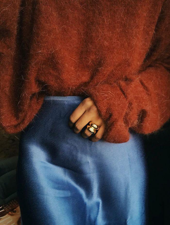 Samsoe & Samsoe Fashion Brand: Monik Celeste Harden trägt einen Rock der Marke