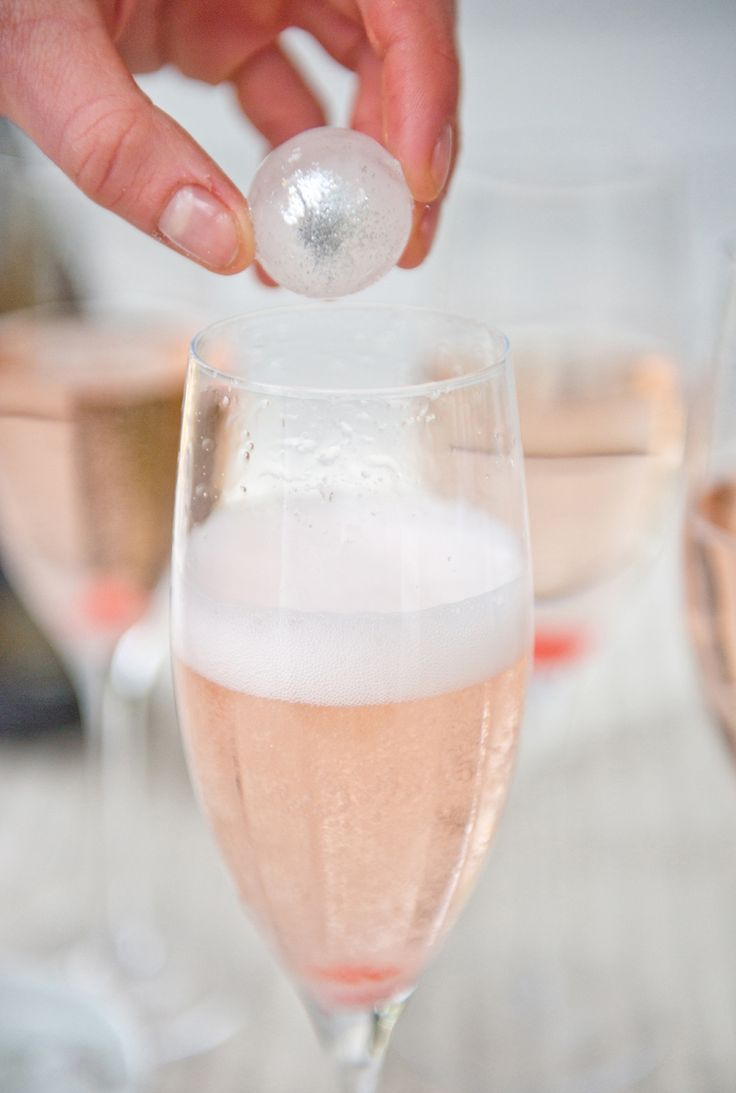 Edible glitter ice cubes... :) ! Here's How: Add Some Sparkle to Tonight's Champagne - Blue Apron Blog