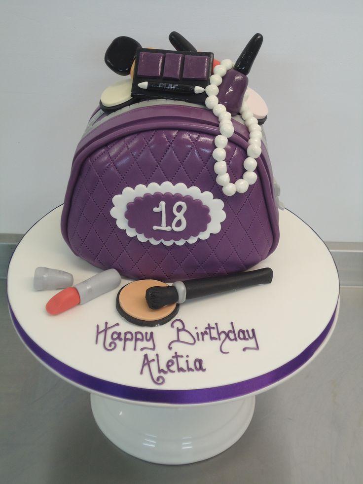 We loved making this make up bag cake for Atletia's 18th! #cake #birthdaycake