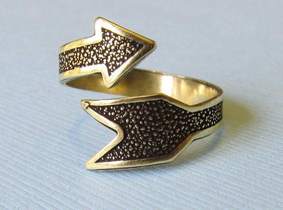 Ringen - Antieke bronzen ring verstelbare ring Pijl - Een uniek product van MadamebutterflyMeagan op DaWanda