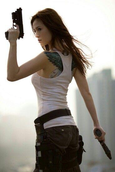 Apocalypse clothes   Menina com armas, Mulher guerreira