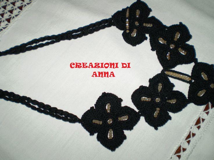 collana in cotone nero con perline sintetiche beige fatta a mano uncinetto di Creazionidianna su Etsy
