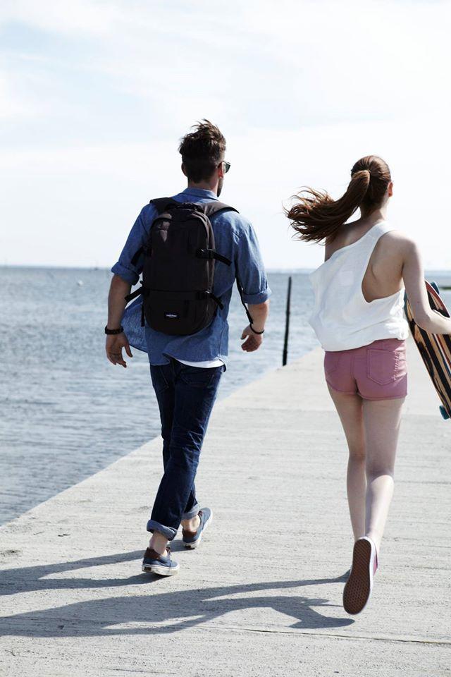 Сентябрь - теплый бархатный месяц, а потому смело отправляйтесь к морю! И не забудьте Eastpak Floid - он отлично вместит все необходимые вещи для отдыха #floid #eastpak #eastpakua #bagmanua #sea #seaside #travel #september #seaholidays #love #happiness