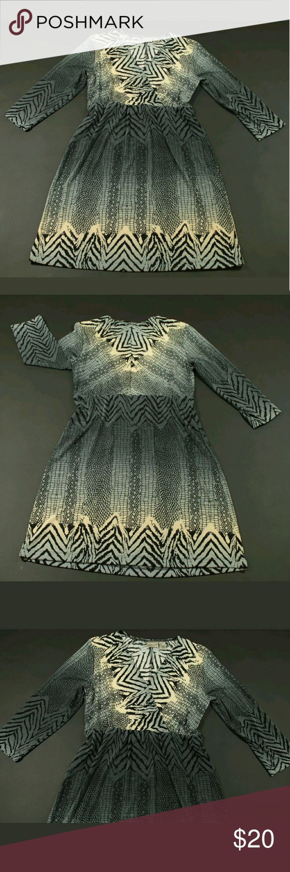 """Cache Long Sleeve Dress Womens Size 1 Animal Print Cache Dress Womens Size 1 Black Gray Ivory with Animal Print and Empire Waist Condition:  Great Pre-Owned Condition from clean pet/smoke free home. Material:  See Pics  Measurements:  Length: 35.5"""" Bust Pit to Pit: 18.5"""" Cache Dresses Long Sleeve"""