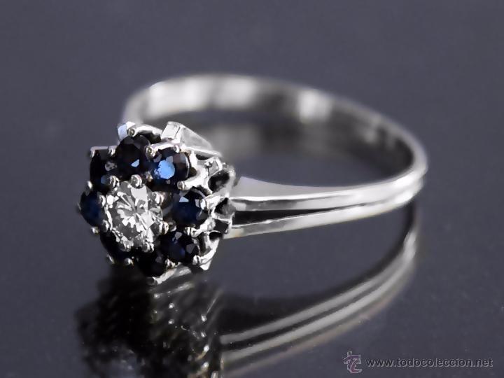 LIQUIDACION, Sortija con 0,24ct Diamante VS-G y 8 zafiros azules 0,40ct en oro blanco 18k - Foto 1