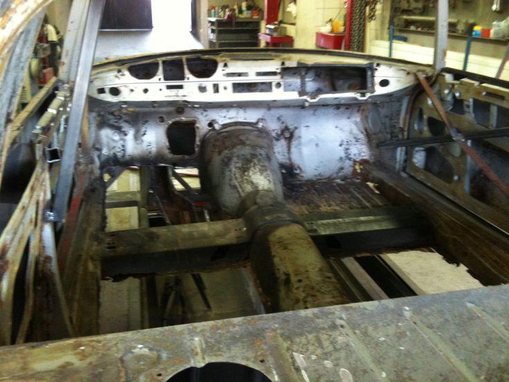 Mercedes W111 220SE Coupe (1965) Restoration