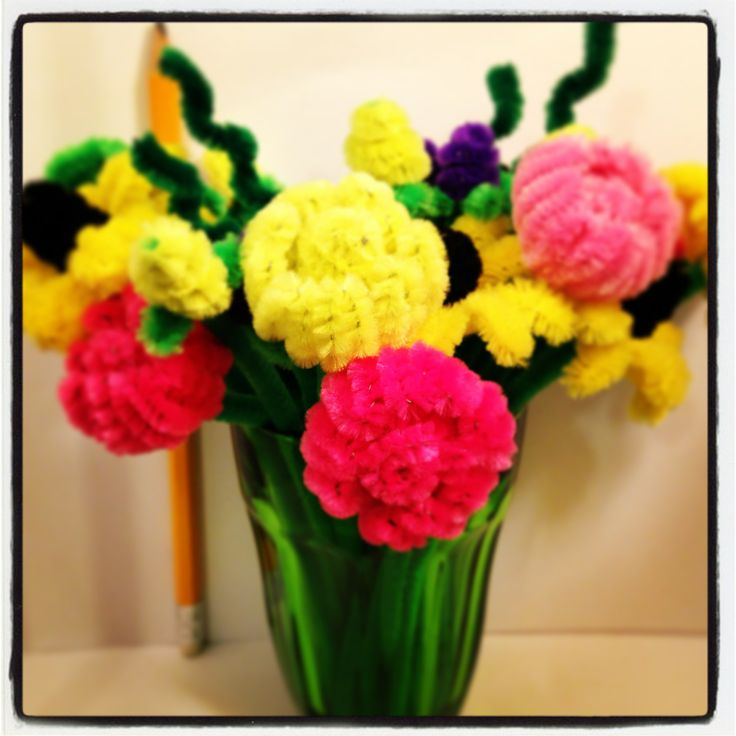 Pipe cleaner flower bouquet, pipe cleaner arts and crafts  עבודות יד מנקי מקטרות  pipe cleaner flowers, פרחים מנקי מקטרות