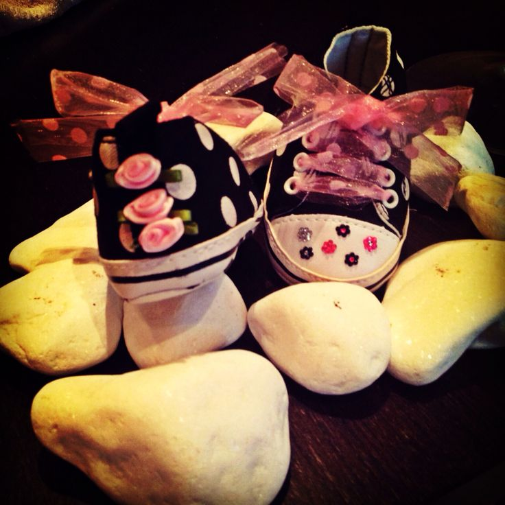 Ore walker baby shoes with little flowers,ribbon and rhinestones