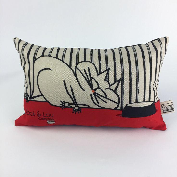 Le chouchou de ma boutique https://www.etsy.com/ca-fr/listing/517781545/coussin-decoratif-coussin-chat-rouge