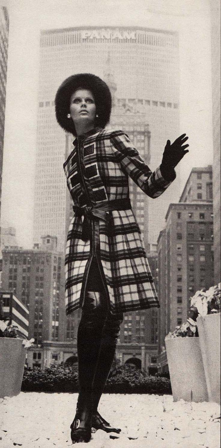 Oscar de La Renta  Vogue US - September 1, 1967