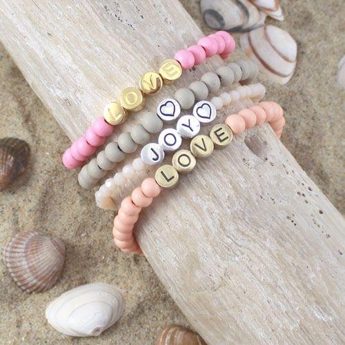 Inspiratie setje met houten kralen, letter kralen en Camee hangers
