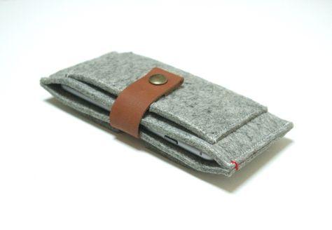 Iphone 6 wallet hoes leer en vilt. handgemaakte hoezen van premium kwaliteit. 100% natuurlijke materialen en 100% speciaal. Uit Nederland.