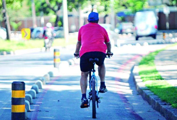 SUSTENTABILIDADE  Ciclovia produzirá energia a partir do contato com bikes  Uma empresa japonesa de tecnologia pretende usar as ciclovias da capital paranaense, Curitiba, para produzir energia, que ajudam a abastecer sistemas de iluminação