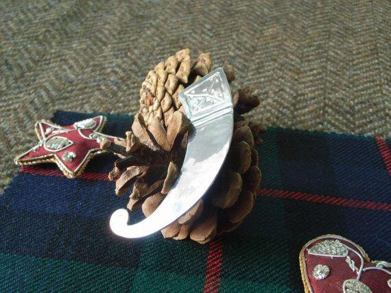 Silver Scottish Kilt Pin   Horn. Unusual by CallumKiltsJewellery